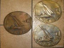 Plaketten und Muenzen fertigen wir auch in Messing oder Bronze an