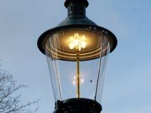 Historische Wiener Gasleuchte mit LED in Gasleuchtenoptik.