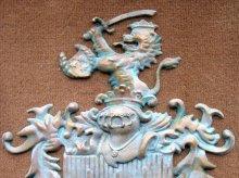 Ihr Wappen fertigen wir vom Entwurf bis zum Abguss in Messing oder Bronzeguss an
